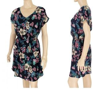 Dresses & Skirts - Floral dresses